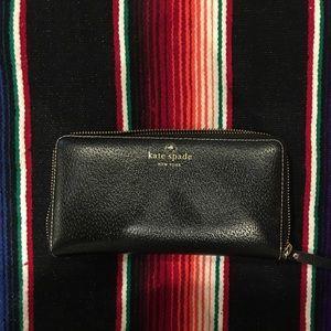 Kate spade wallet in black pebble leather