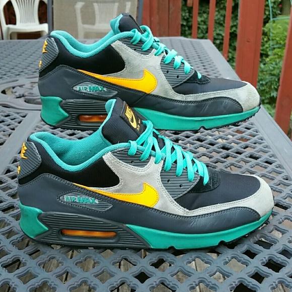 best loved 01c27 bf4e1 Nike Air Max 90 Winter PRM - Men's 12. M_595862bc41b4e0674b0312c8