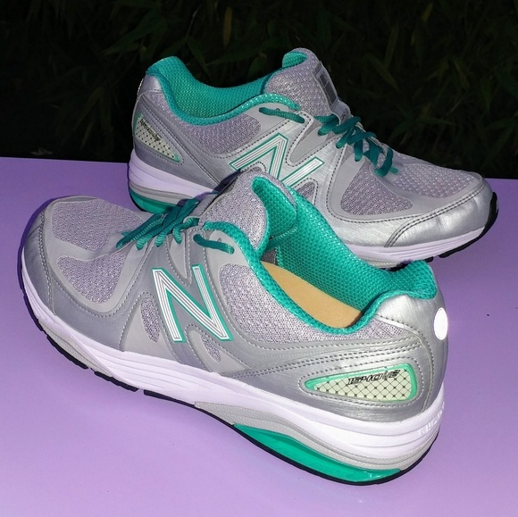 new balance new balance 1540 v2 women 39 s running shoes size 9 from b 39 s closet on poshmark. Black Bedroom Furniture Sets. Home Design Ideas