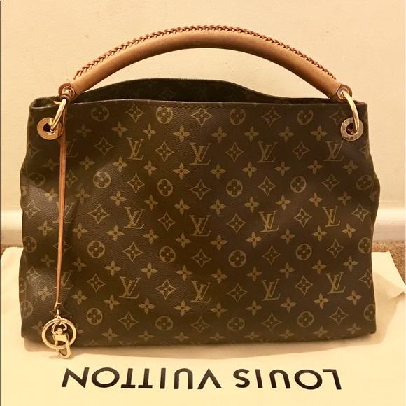 613ca0ff1000 Louis Vuitton Handbags - 100% Authentic Louis Vuitton Monogram Artsy MM