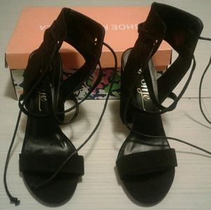 Black Strappy Sandals with tie