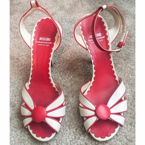 6e4cf6a68e1d Moschino Cheap   Chic Kitten Heels