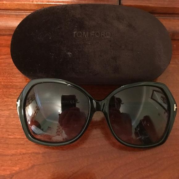 ca8e4fe050b Tom Ford Carola Butterfly Sunglasses in Black. M 5958ef48c6c795823706a15b