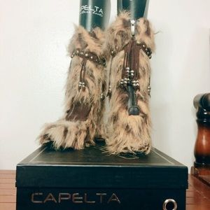 a71becb1a95cc ... capelta couture chita boots with the fur ...