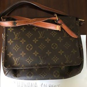 Authentic Louis Vuitton Musette