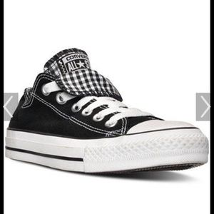 converse women's sz 7 blk/white double tongue