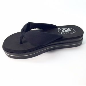 NWT Flatform black slide with a super soft Footbed