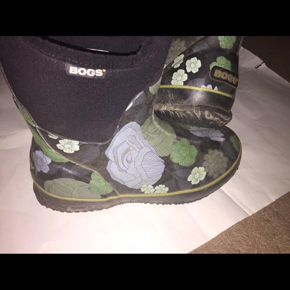 32 off bogs shoes women bogs classic mid le jardin