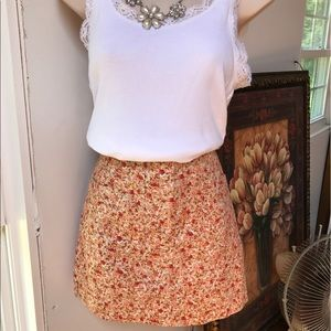 Express mini Skirt Size 5/6 Reds and yellow