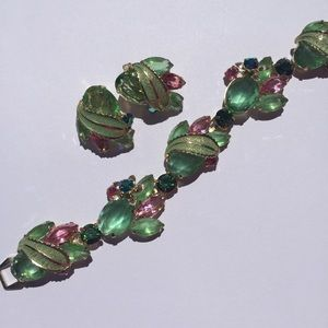 Jewelry - Signed vintage Weiss bracelet & earring set