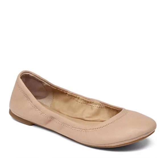 Shop Lucky Brand Emmie Ballet Flats online at truexfilepv.cf With their easy-going styling and boho-chic finishes, Lucky Brand's Emmie flats have the kind of down-to-earth charm you've been looking for. They come in an array of colors and widths that you'll just love. The soft, flexible material and cushioned footbed feels great for hours, ensuring that you look as chic as possible while you /5(K).