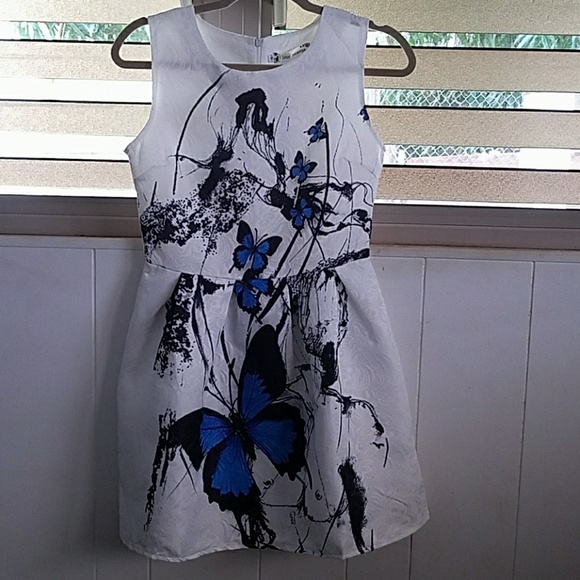 CRFS Dresses & Skirts - Graceful butterfly pattern high-waisted dress