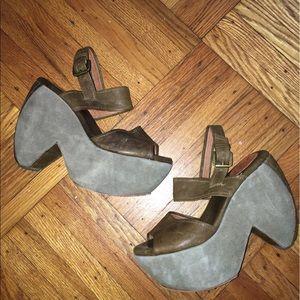 Gee Wawa leather platform sandals!
