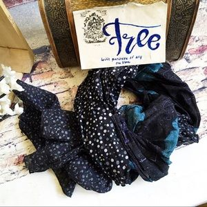 Scarf, FREE WITH ANY PURCHASE