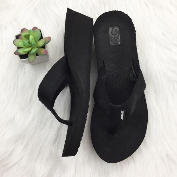 75% off Teva Shoes - Black Teva Mush Flip Flop Sandals ...