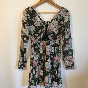 Nasty Gal floral back lace dress size Small