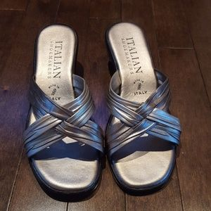 Shoes - Size 6 silver Italian leather sandals