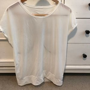 Unknown size lulu cream/off white top