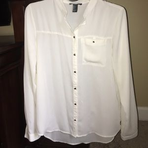 CREAM FOREVER 21 BUTTON UP BLOUSE