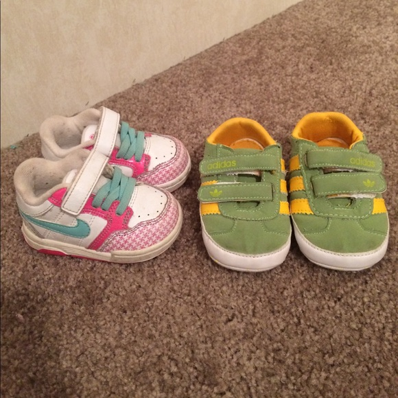 $7 size 3 Nike and adidas navy shoes euc