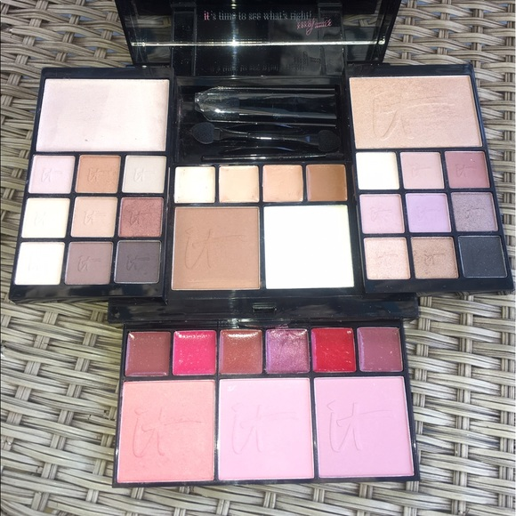 it cosmetics makeup most wished for holiday collection poshmark