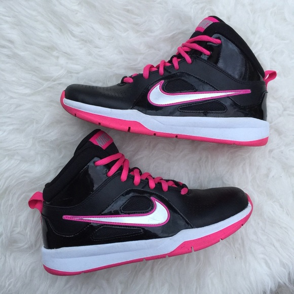pink nike basketball shoes