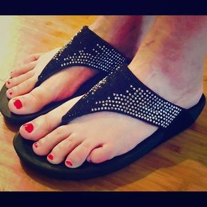 EUC FLARE FitFlops B&W Bling Combo, Size 9 Sandals