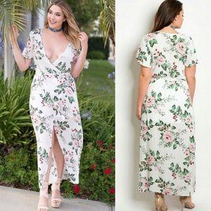 Dresses & Skirts - Plus size White Floral Long Dress