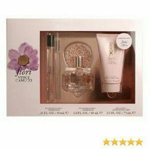 Vince Camuto Fiori fragrance gift set - Nib