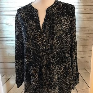 Old navy black and white print long sleeve blouse