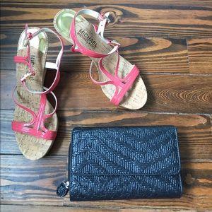 Handbags - Stylish Black Accordion Wallet Clutch