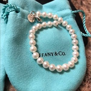 Authentic TIFFANY & Co pearl bracelet
