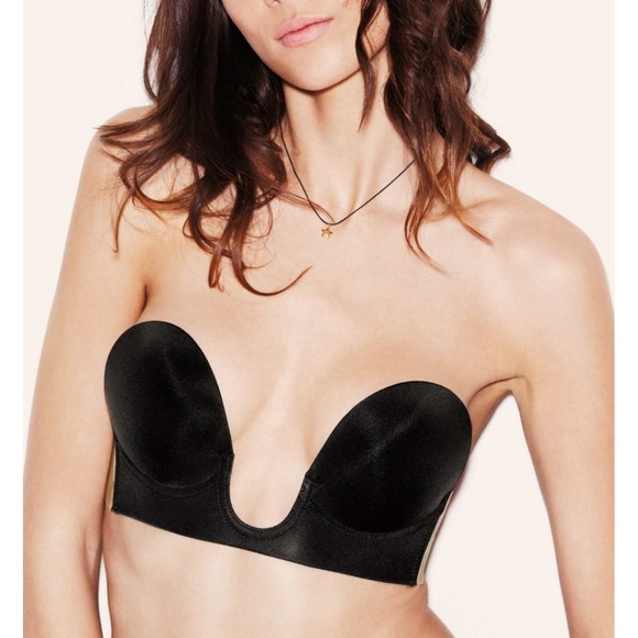 f5d526adb7 Nordstrom Uplunge strapless backless adhesive bra.  M 595a83a3bcd4a7102b00f9c3