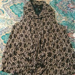 Tops - Aztec sleeveless blouse