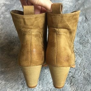 Three Wolves Shoes - Mini Booties