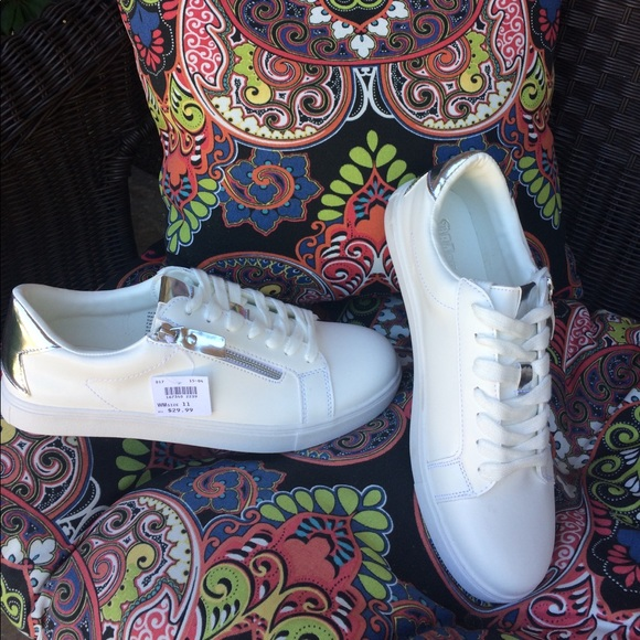 NWT WHITE LACE UP SNEAKERS BY BRASH! 74c44bdef46