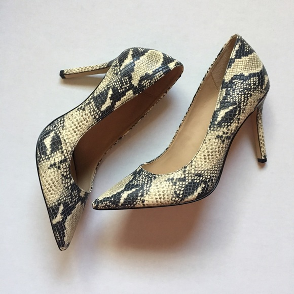 2c8b7f887 Brand New Sam Edelman Hazel Pumps Snake Skin Heels.  M 595ad0f013302a6aca020cf3