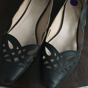Restricted Cut Out Flats - Sz 8.5