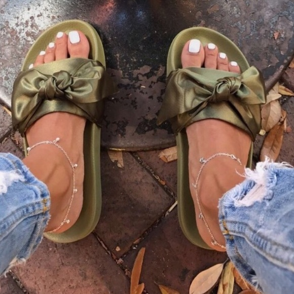 sneakers for cheap 27101 db116 LAST PAIR! Olive Green Bow Slide Sandal Size 6 Boutique