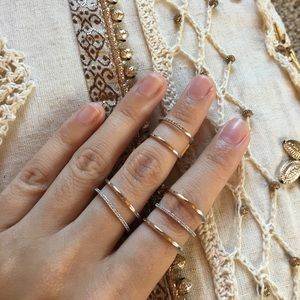 Jewelry - Silver stacked ring set