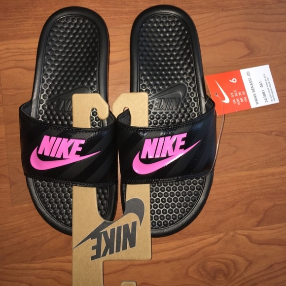 6d68c96a6cac Womens Nike Flip Flops Nike Sandals BNWT sz 8