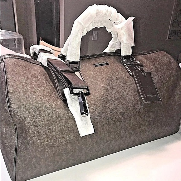 8d9475cd13c4 Jet Set Travel Lg Signature Weekender Duffle Bag