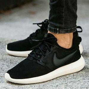 a4f9ed879e32 Nike Shoes - NWT Nike Roshe Two Women s Black White Shoe