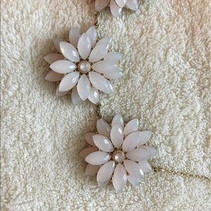 Jewelry - BLUSH PINK FLOWER STATEMENT NECKLACE.