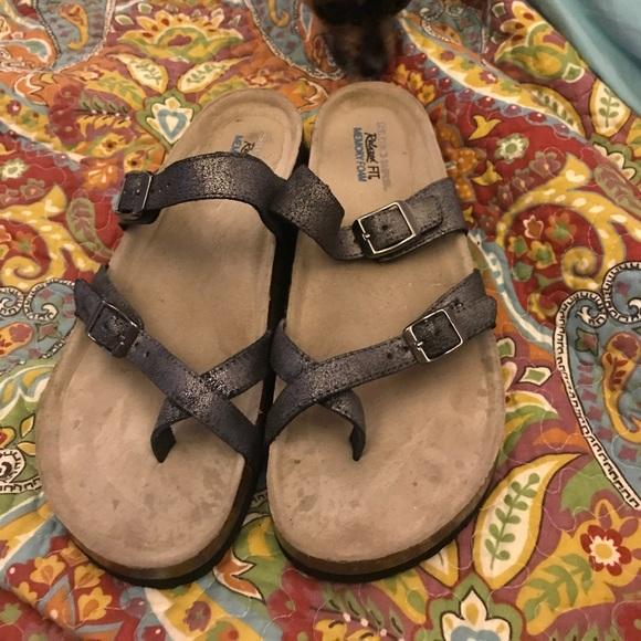 71ee36e05345 Birkenstock Shoes - Sketchers memory foam sandal. Birkenstock style