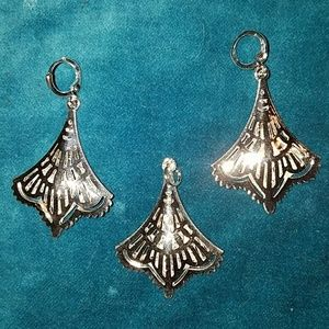 Jewelry - Nwt silver coated earrings and pendant set