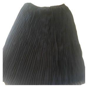H&M Tea length pleated skirt