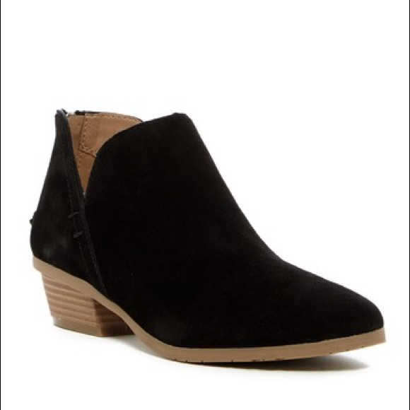 f4c32dfc7a8 Kenneth Cole Reaction Sideway Ankle Bootie