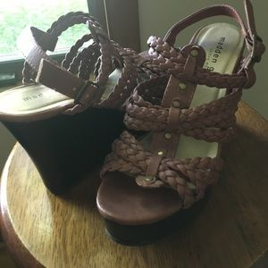 Brown Madden girl strappy braided wedge sandal 7.5