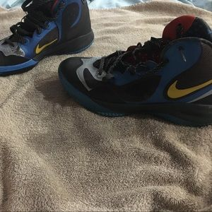 Shoes - Nike sneakers size 9 in good condition